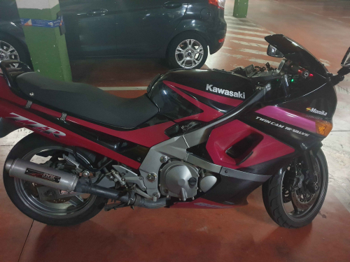 KAWASAKI ZZR600 600CC