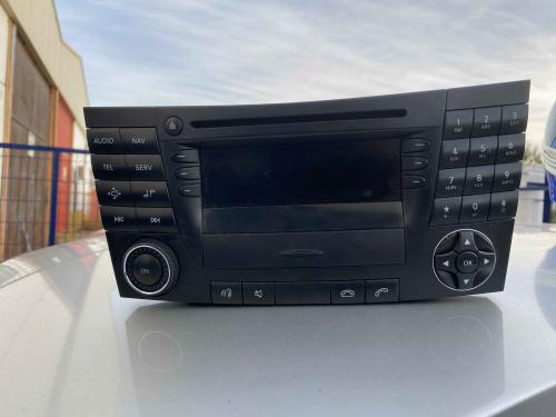 RADIO MERCEDES BENZ W211