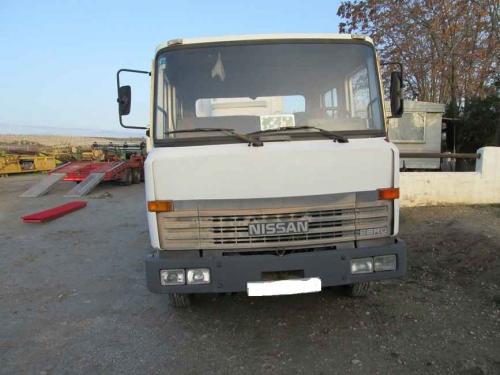 CAMION NISSAN L80 3 7P